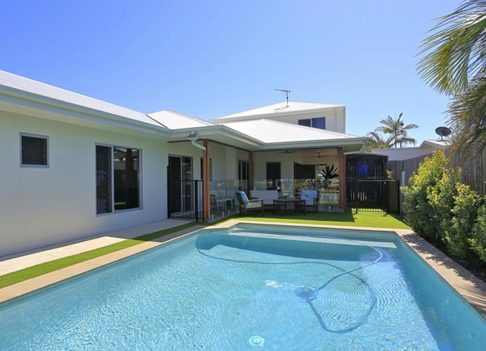 4 bedroom executive - the pool