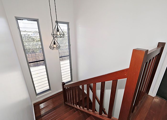 4 bedroom executive - stairwell